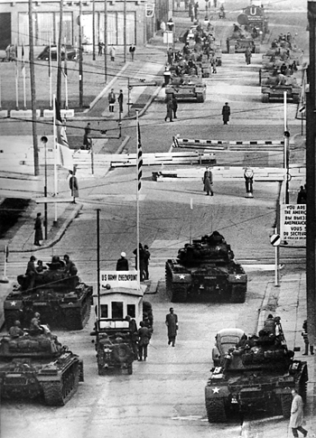 Berlin Checkpoint Charlie Standoff